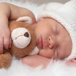 Какую мягкую игрушку выбрать для новорожденного?